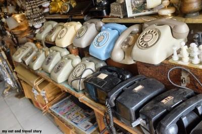 Bermacam koleksi telepon jadul. Bagus juga buat dekorasi.