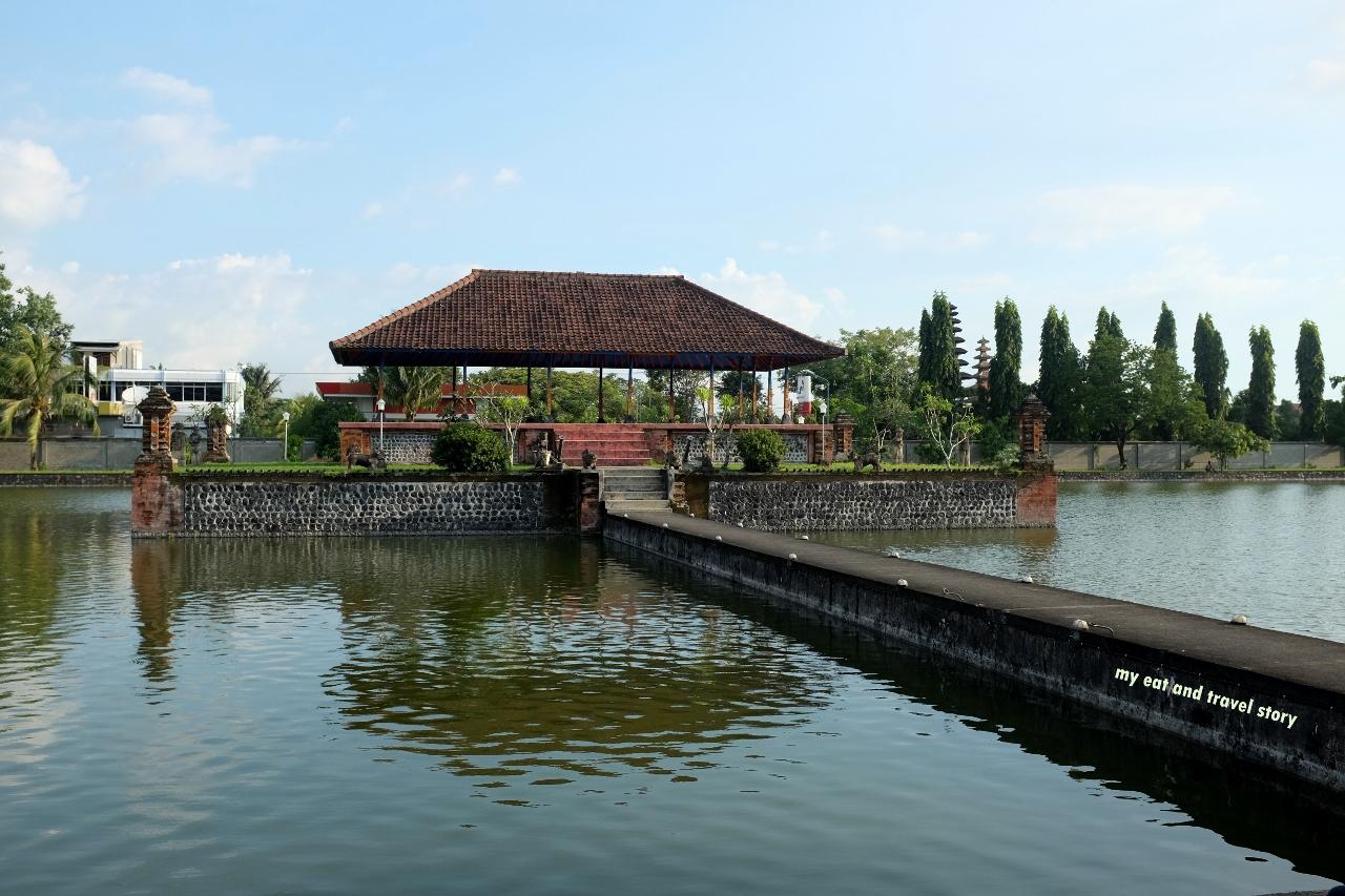 Mengunjungi Taman Mayura Dan Pura Jagatnatha Mataram My Eat And Travel Story