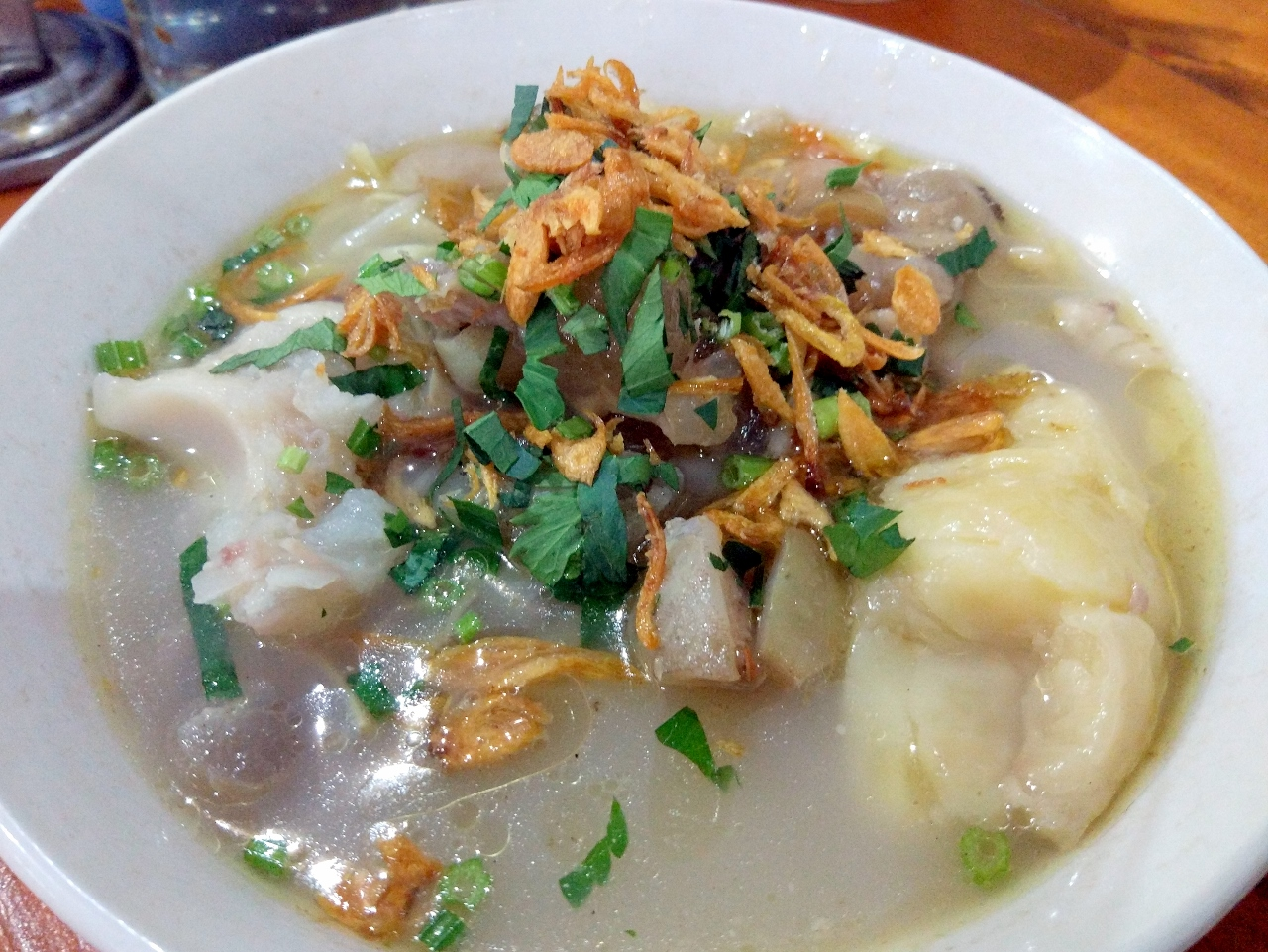 Mie Kocok Mang Dadeng menjadi street food Bandung favorit
