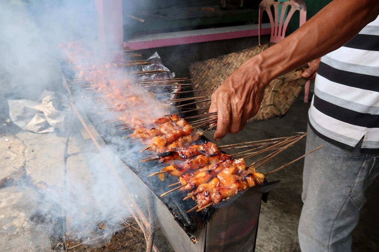 Mampir ke Sate Ambal Pak Kasman Asli (Kebumen) – my eat and travel ...