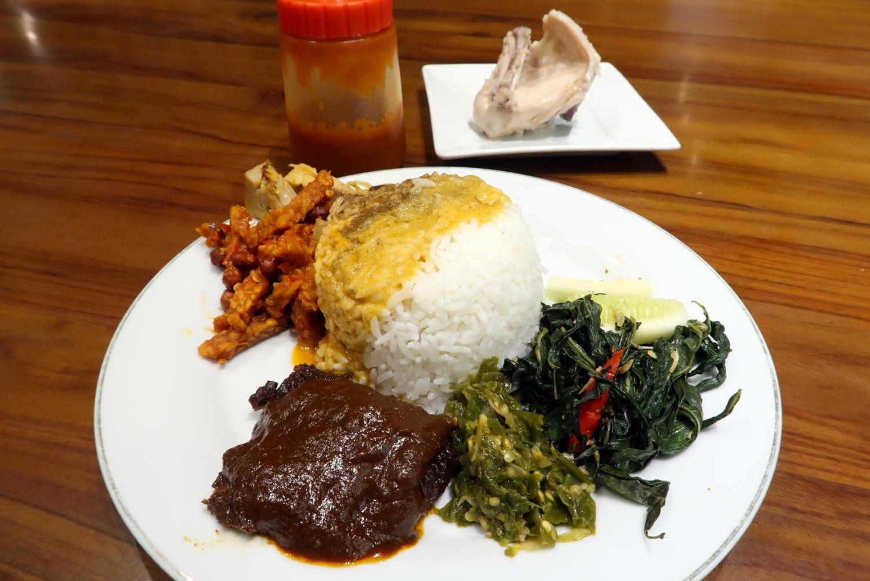 Padang Merdeka Warung Nasi Padang Yang High Class Jakarta My